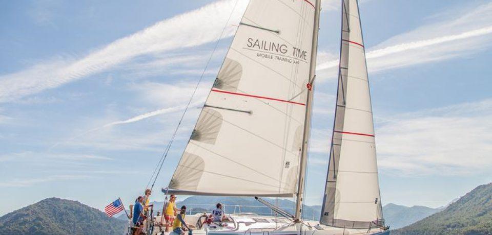 Sailing Time – видеоуроки яхтинга в мобильном приложении