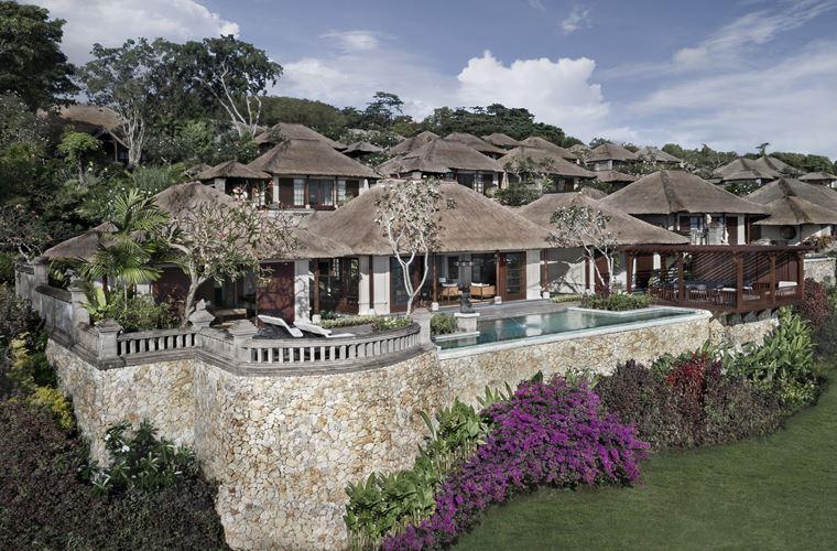 Four Seasons Resort Bali at Jimbaran Bay - королевская вилла с бассейном