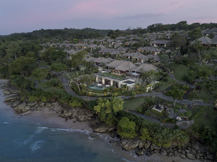 Four Seasons Resort Bali at Jimbaran Bay - вилла отеля с высоты