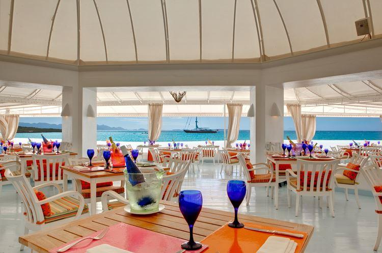 Курортный отель Belmond Cap Juluca на Карибах: ресторан