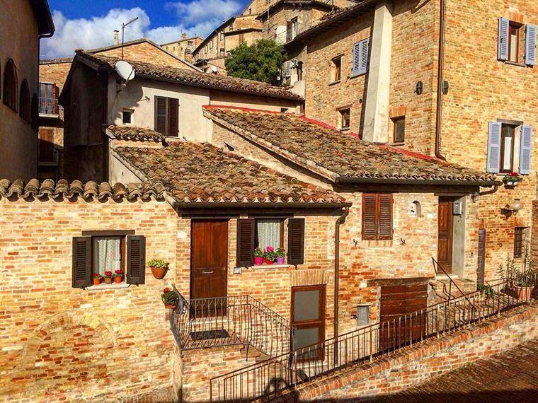 Курортные города Италии на побережье: Пезаро