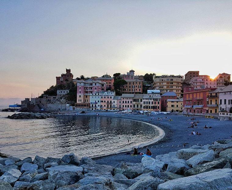 Курортные города Италии на побережье: Генуя