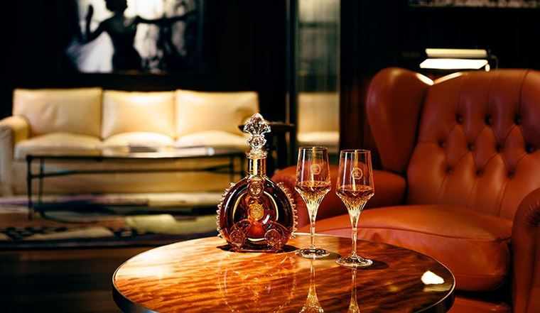 Le Royal Monceau-Raffles LOUIS XIII SUITE