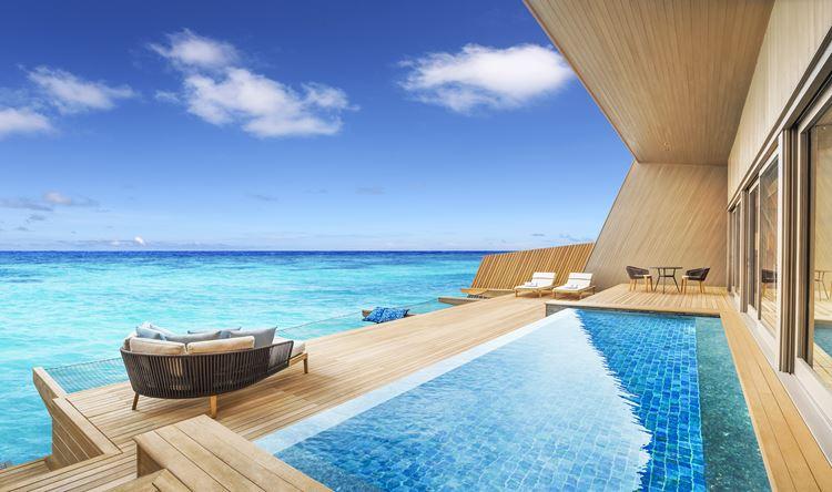 St. Regis Maldives Vommuli - бассейн с видом на океан