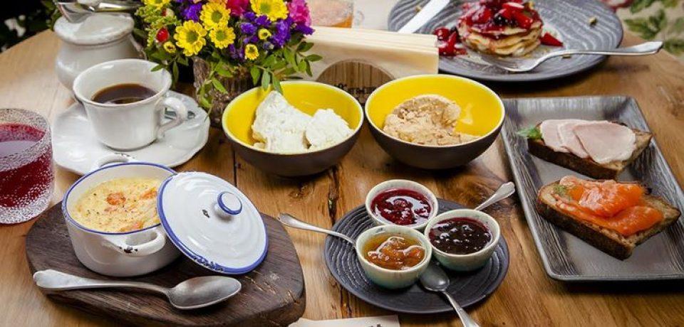 Ресторан русской кухни «Матрёшка» приглашает на завтраки