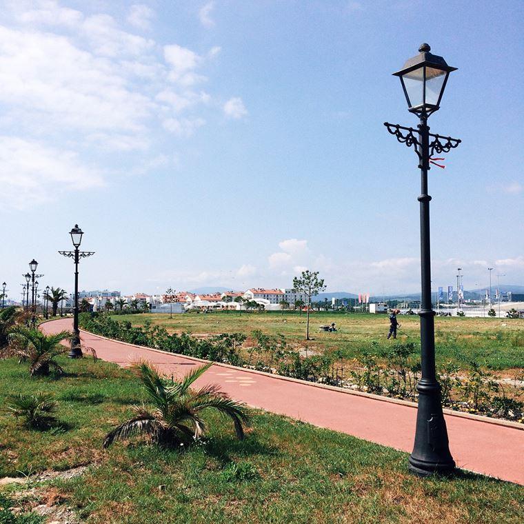 Адлер: фото города и пляжей - Олимпийская набережная