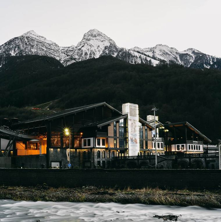 """Адлер: фото города и пляжей - """"Альпика-Сервис"""" - горнолыжный курорт в Адлерском районе"""