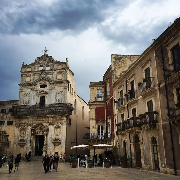 Кинематографическая Сицилия: площадь Дуомо в Сиракузах