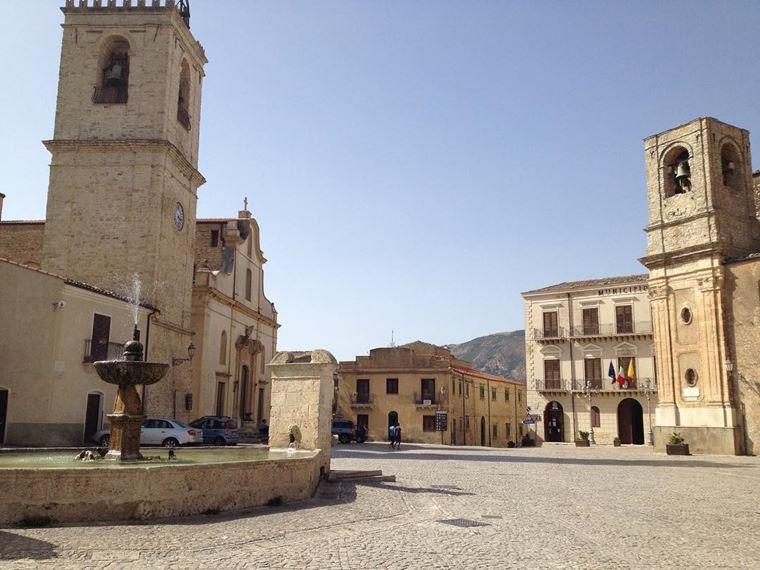 Кинематографическая Сицилия: Палаццо Адриано