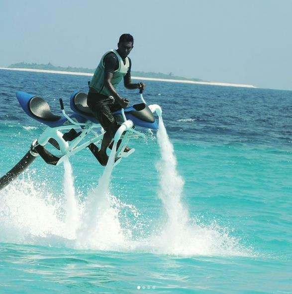 Водный аппарат Tandem Jetovator на курорте Velaa Private Island Maldives
