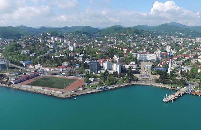 Туапсе: фото города и пляжа - вид на город с высоты