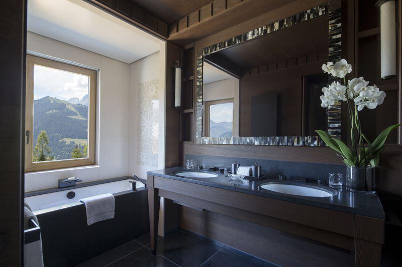 Four Seasons Hotel Megeve - дизайн интерьера ванной комнаты