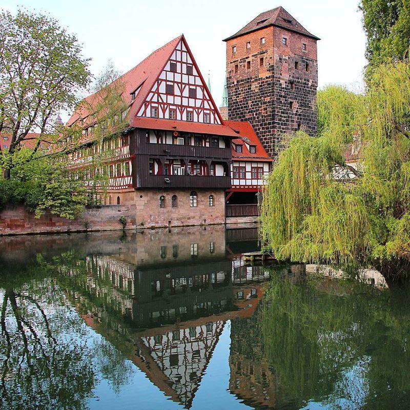 Красивые города юга Германии: Нюрнберг, фахверковый дом и башня