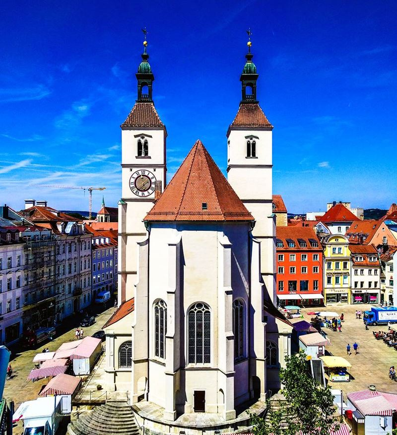 Красивые города юга Германии: Регенсбург - Neupfarrkirche на центральной площади