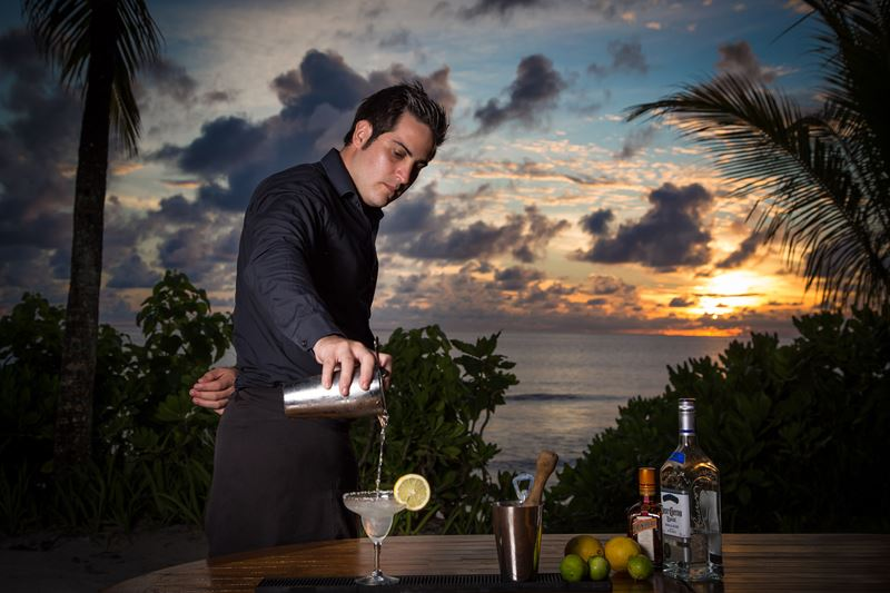 MAIA Luxury Resort & Spa - обслуживание в ресторане и баре
