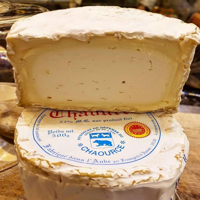Сорта французского сыра - Шаурс, белый, мягкий, с плесневой корочкой