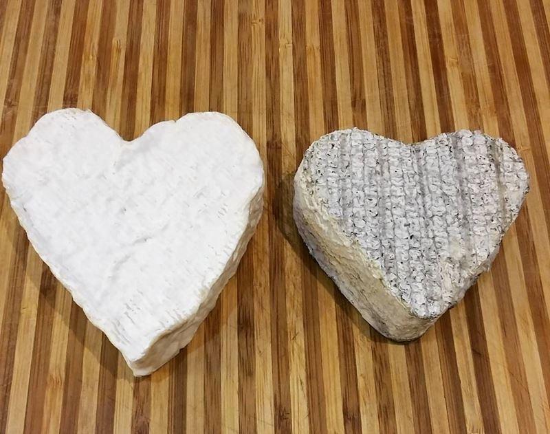 Сорта французского сыра - Кёр-де-Шевр, плесневый в форме сердца