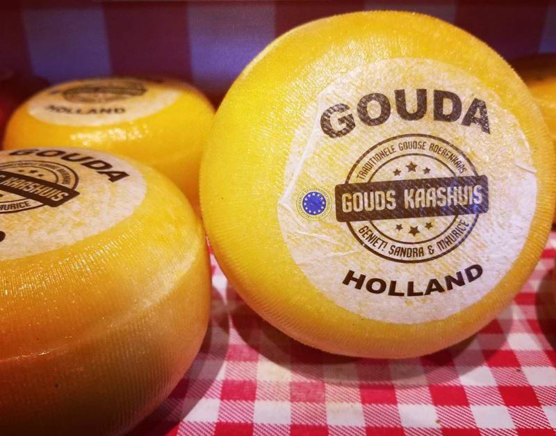 Сорта голландского сыра - Гауда - твердый, желтый, кремовый