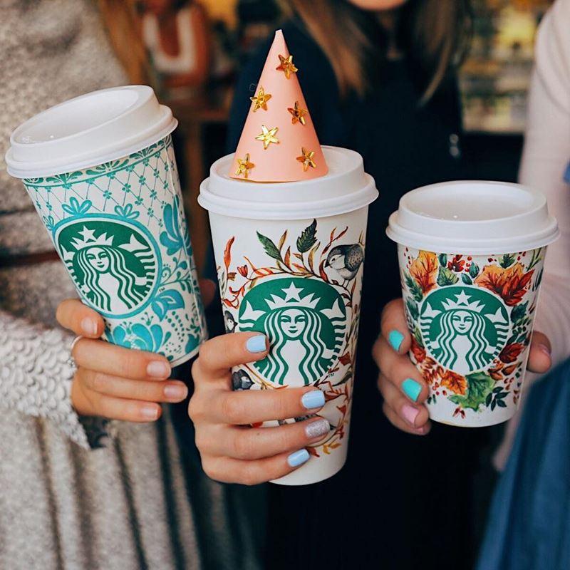 Кофейни Москвы: «Starbucks» - три праздничные стакана к юбилею