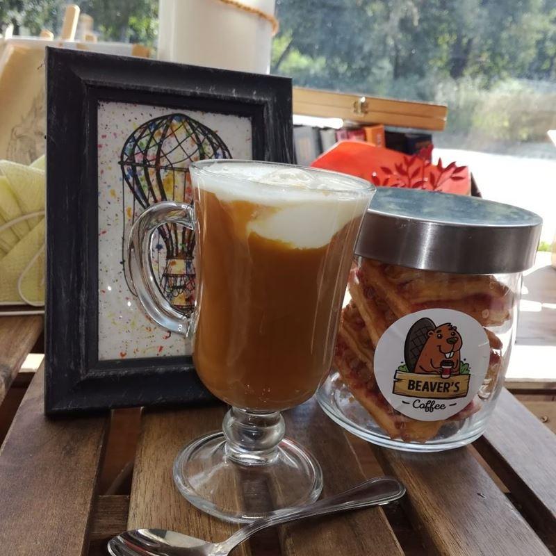 Кофейни Москвы: «Beaver`s coffee» - кофе в стакане с печеньями