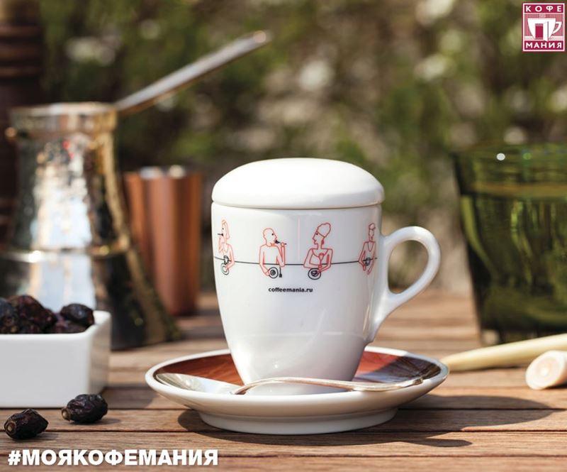 Кофейни Москвы: «Кофемания» - чашка капуччино с большой пышной пенкой
