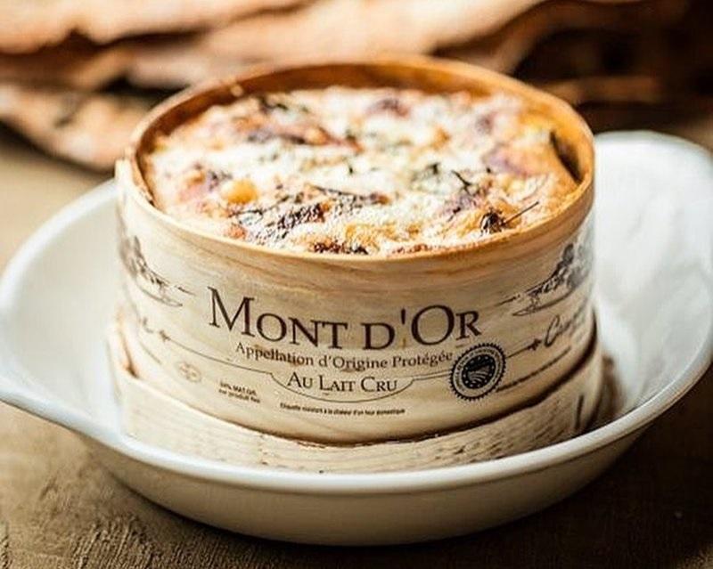 Сорта швейцарского сыра - Вашрен-Мон-д'Ор - мягкий плесневый с полужидкой текстурой