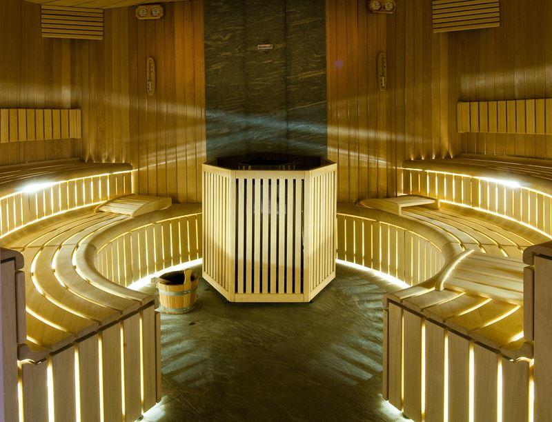 Курорт CastaDiva Resort & Spa - сауна из дерева