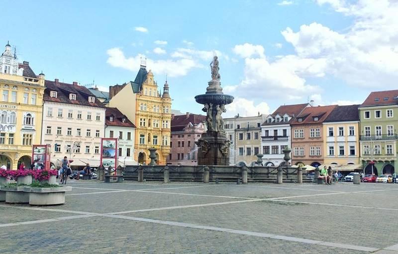 Красивые города Чехии: архитектура на площади Ческе-Будеёвице