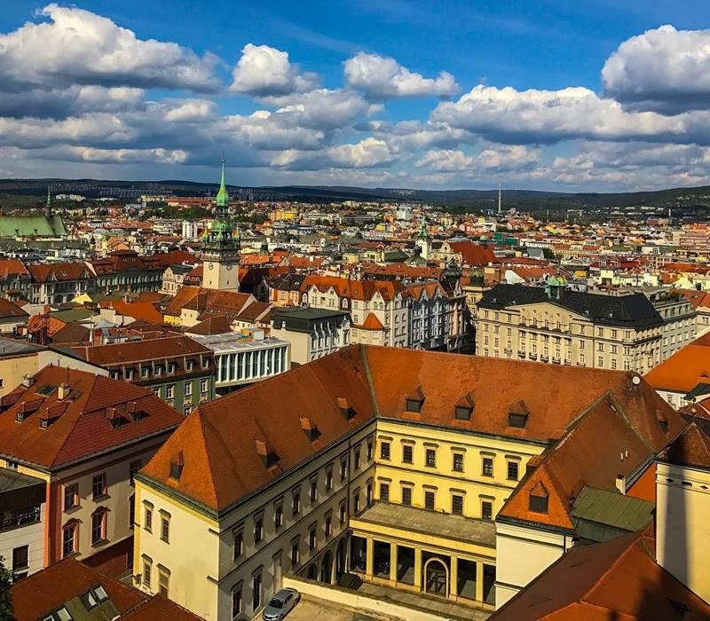 Красивые города Чехии: вид сверху на Брно