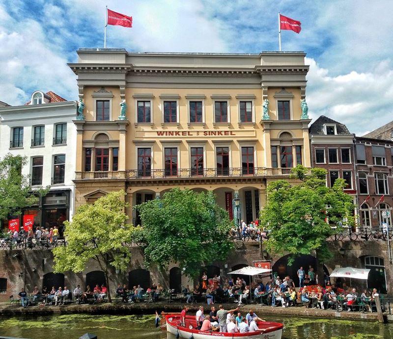 Красивые города Нидерландов: ресторан Winkel van Sinkel в Утрехте