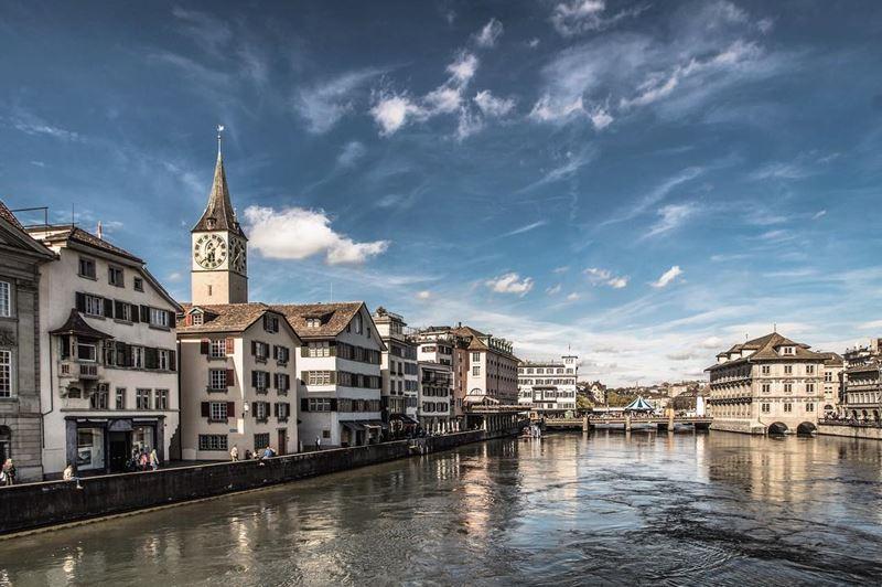 Красивые города Швейцарии: уютный Цюрих, вид с воды
