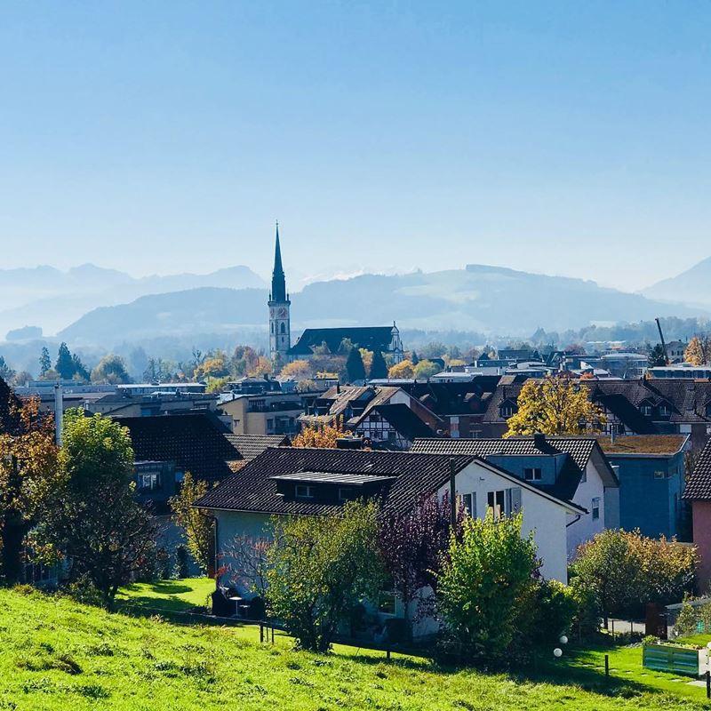 Красивые города Швейцарии: альпийский пейзаж Цуга