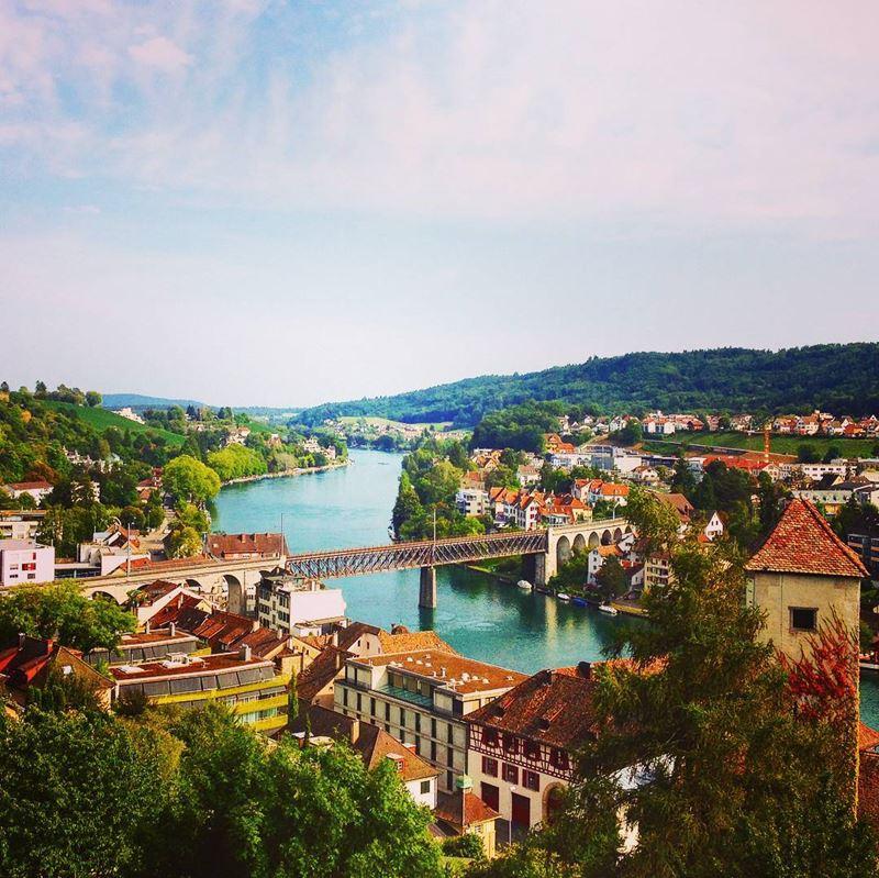 Красивые города Швейцарии: вид на Рейн в Шаффхаузене