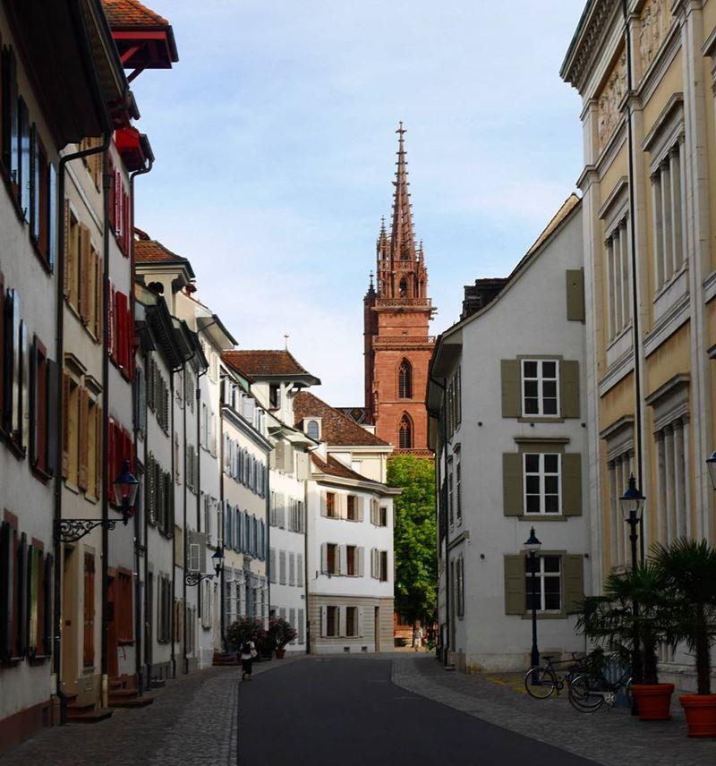 Красивые города Швейцарии: улицы Базеля, архитектура