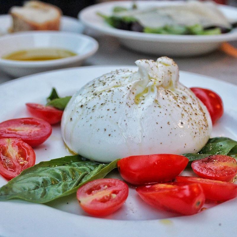 Сорта итальянского сыра: Буррата (Burrata)