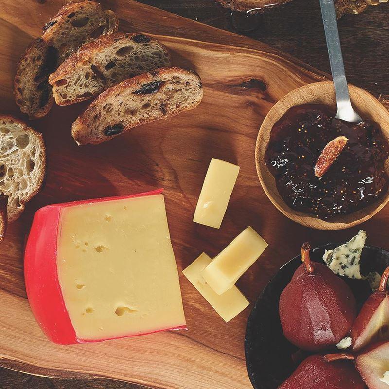 Сорта итальянского сыра: Фонтина (Fontina)