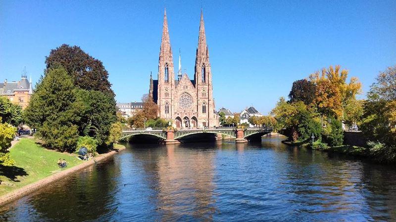 Крупные и красивые города Франции: церковь Святого Павла в Страсбурге