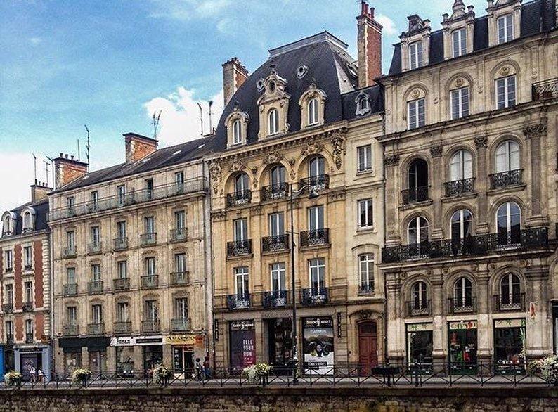 Крупные и красивые города Франции: архитектура Ренна