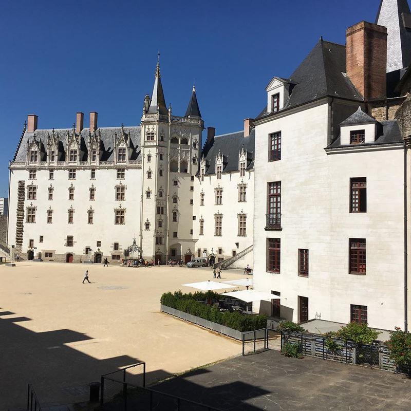 Крупные и красивые города Франции: замок Анны Бретонской в Нанте