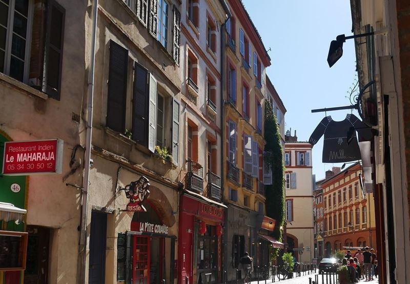 Крупные и красивые города Франции: Атмосферные улицы старой Тулузы