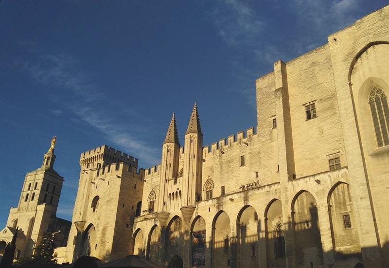 Крупные и красивые города Франции: Папский дворец в Авиньоне