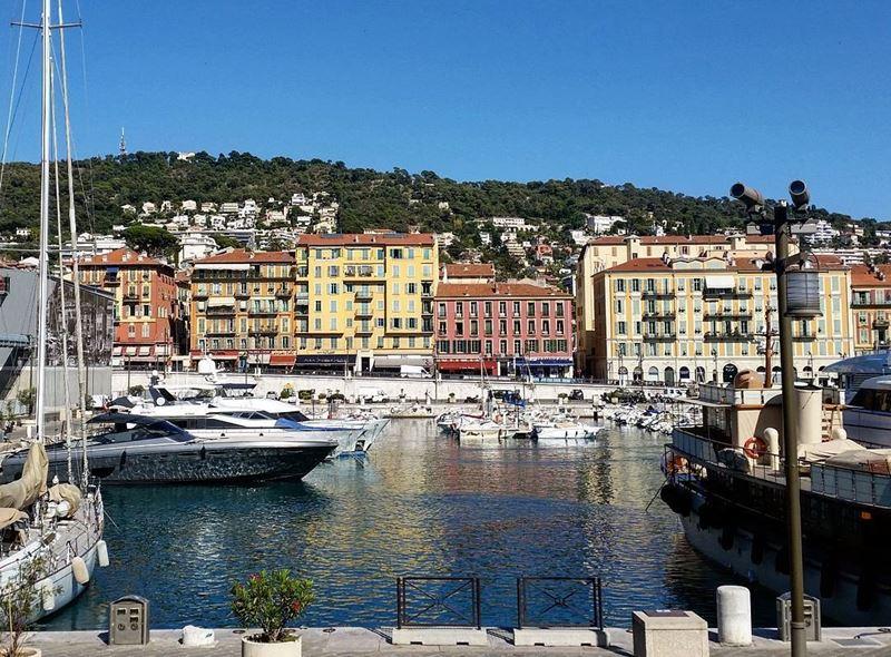 Крупные и красивые города Франции: порт Ниццы