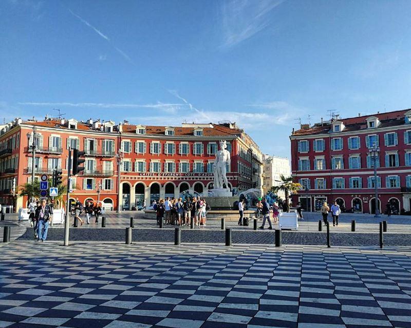 Крупные и красивые города Франции: площадь Массена в Ницце