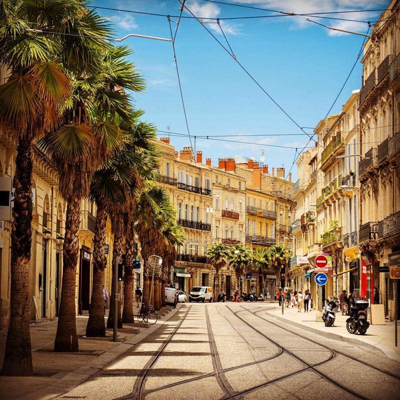 Крупные и красивые города Франции: улицы Монпелье
