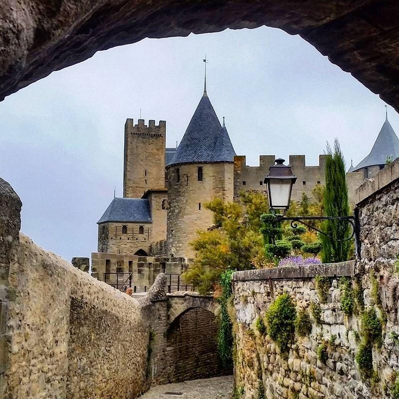 Крупные и красивые города Франции: средневековая крепость Каркассон
