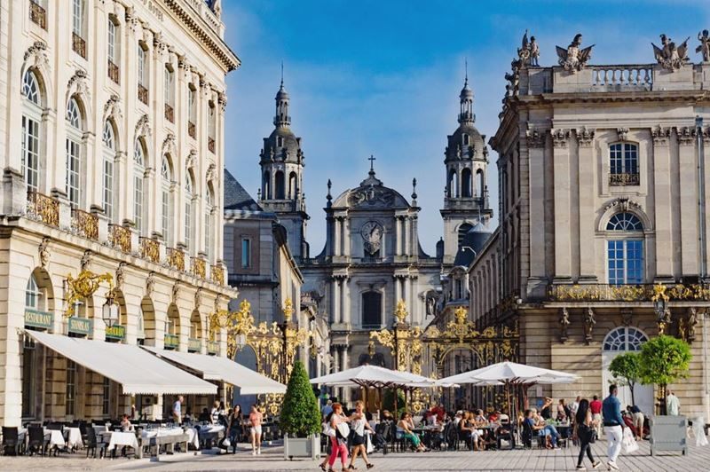 Крупные и красивые города Франции: архитектура Станиславовской площади в Нанси
