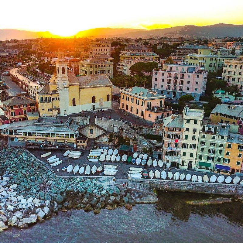 Крупные и красивые города Италии: Яркая архитектура Генуи