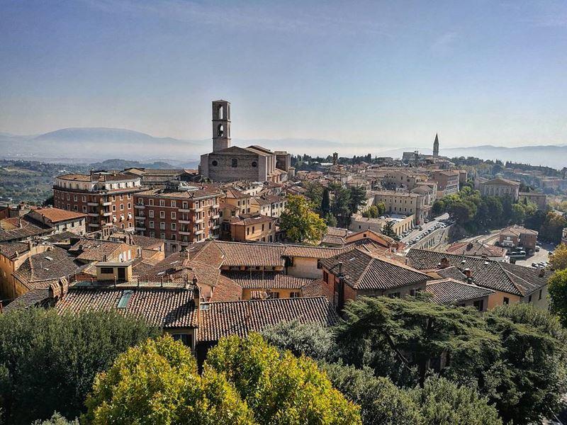 Крупные и красивые города Италии: средневековая архитектура Перуджи
