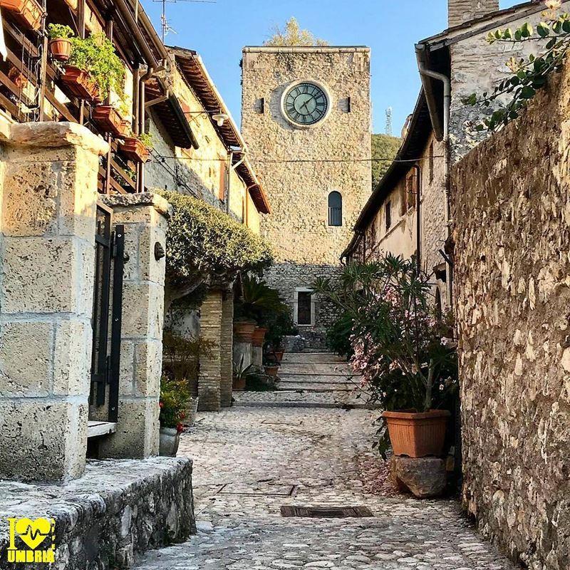 Крупные и красивые города Италии: средневековые улицы Перуджи