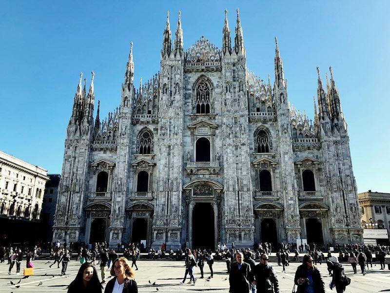 Крупные и красивые города Италии: Собор Рождества Девы Марии в Милане